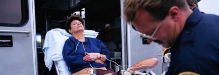 Как перевезти лежачего больного?